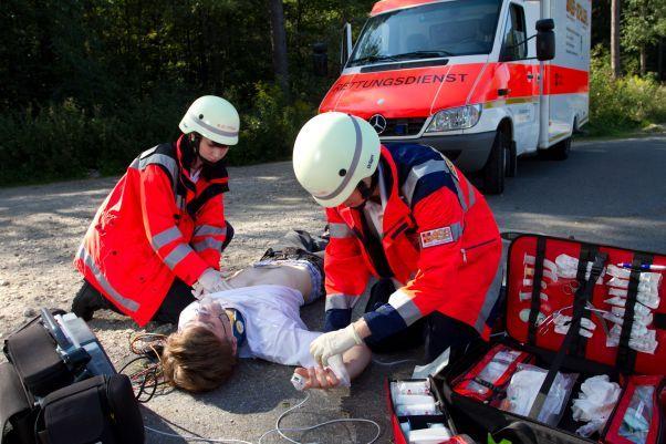 asb-schulen-bewerber-informationstag-uebung-verkehrsunfall.jpg