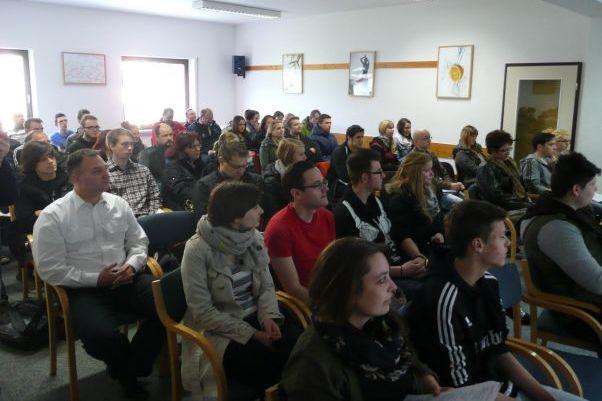 asb-schulen-bewerber-informationstag-teilnehmer-vortrag.JPG